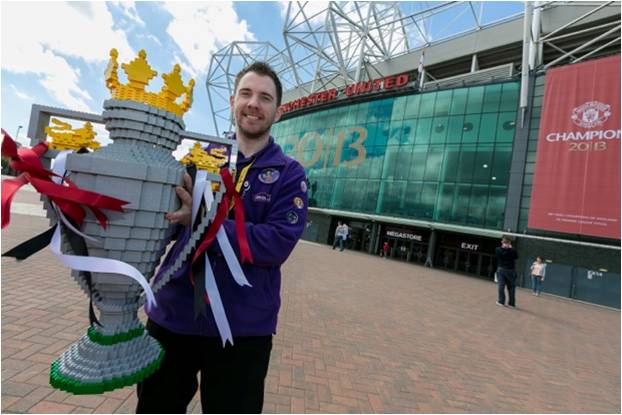 picture manchester united get pl trophy made out of lego